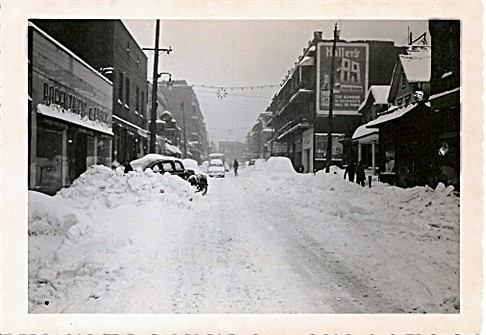 Thanksgiving 1950 - It Snowed and Snowed and Snowed (3/6)