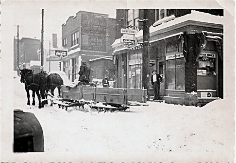 Thanksgiving 1950 - It Snowed and Snowed and Snowed (2/6)