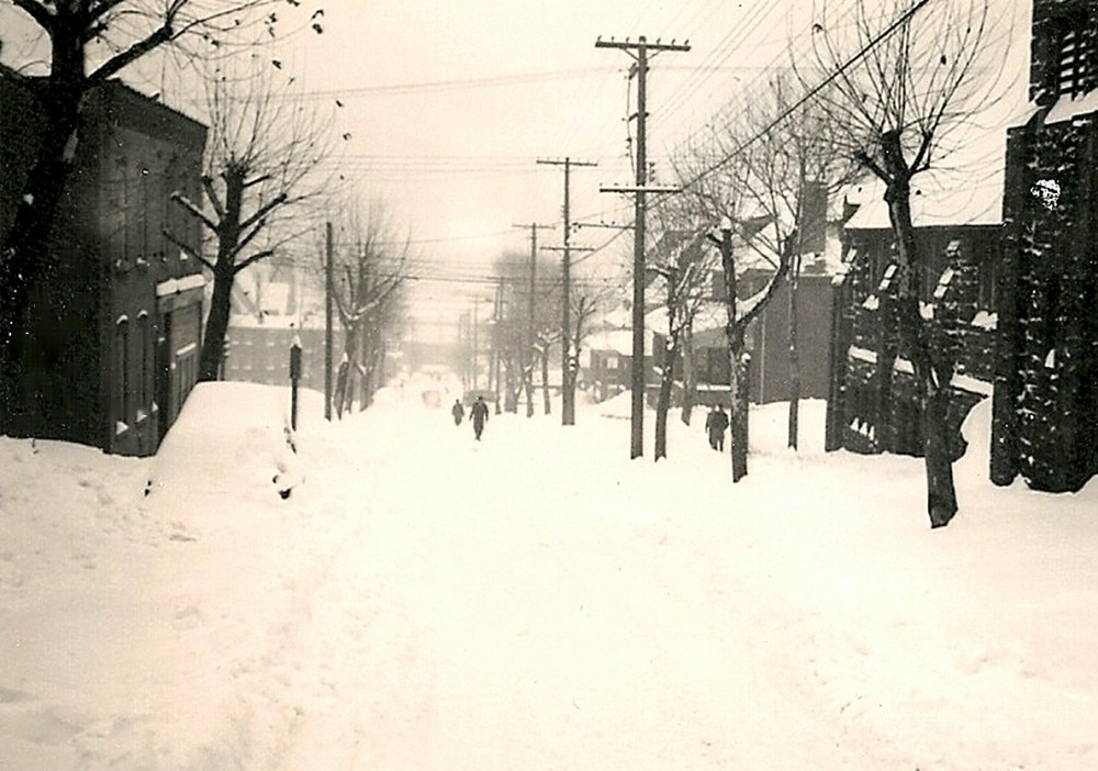 Thanksgiving 1950 - It Snowed and Snowed and Snowed (4/6)
